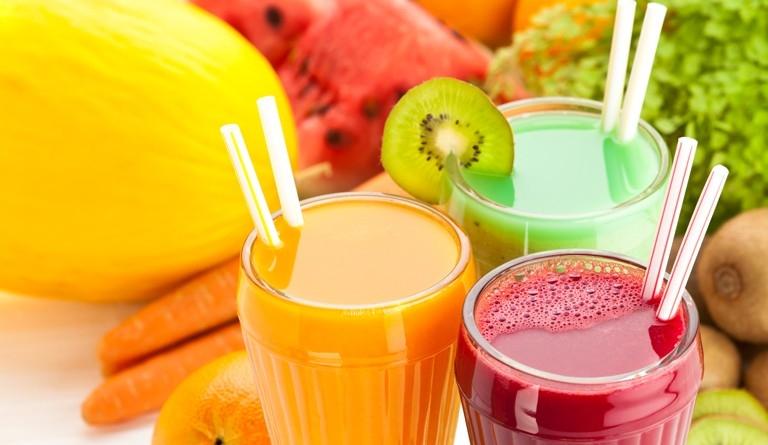 スッキリ飲みやすい! リンゴ酢の健康効果とアレンジレシピ